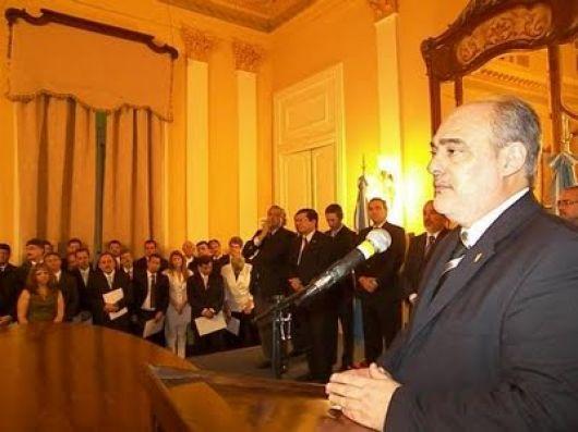 Ricardo ratificó que el aumento comprenderá a toda la administración