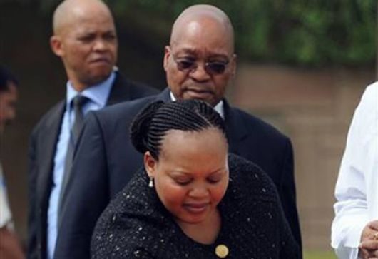 Escándalo sexual golpea al Presidente de Sudáfrica a siete días del Mundial