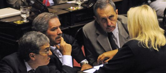 """La oposición de Diputados avanza para derogar """"superpoderes"""" de Cristina"""