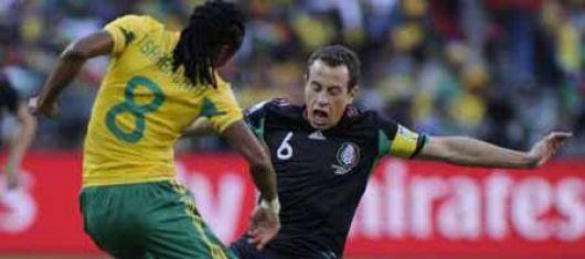 """Sin ganadores en el debut: Sudáfrica y México empataron 1 a 1 en un """"intenso"""" partido"""