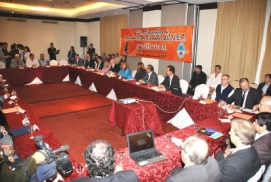 Intendentes del NEA pidieron obras estratégicas en territorio correntino