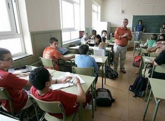 Colombi anunció inversión en Educación con recursos propios