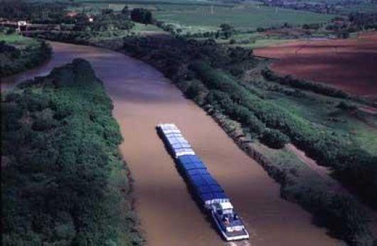 Hidrovía Paraguay-Paraná fundamental para la industria forestal