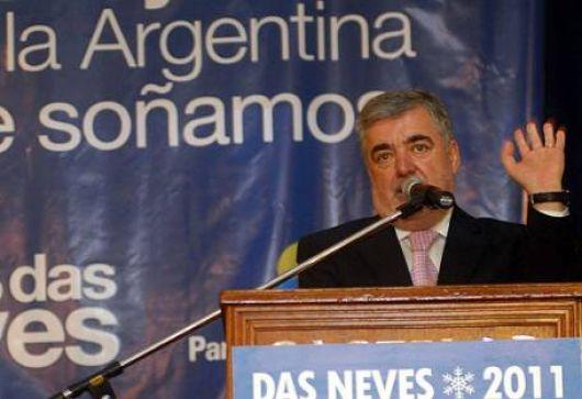 """Das Neves, con los tapones de punta contra Kirchner: """"Es un cagón"""""""