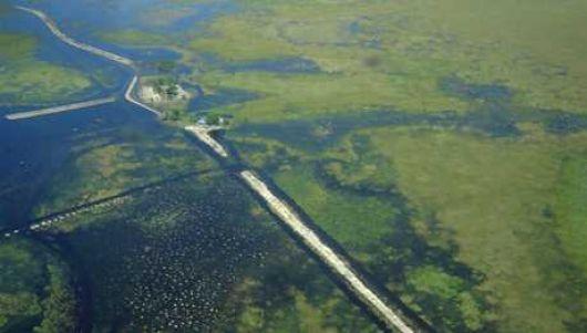 Ecologistas advierten que están reparando el terraplén de Yahaveré
