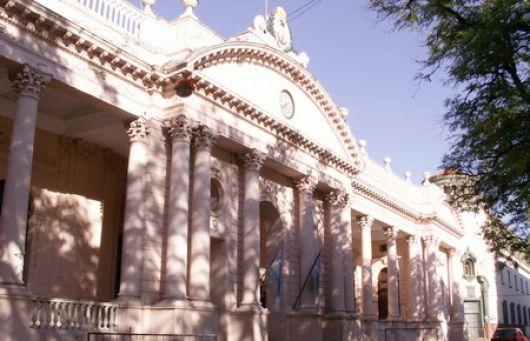 Reunión clave del Gobernador con misnistros hacia el anuncio salarial