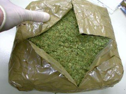 """Dos """"pesos pesados"""" con marihuana"""