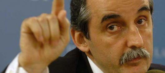 Piñas van, piñas vienen: Acusaciones cruzadas en Papel Prensa