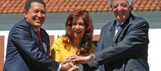 Chávez puso en un aprieto a Kirchner