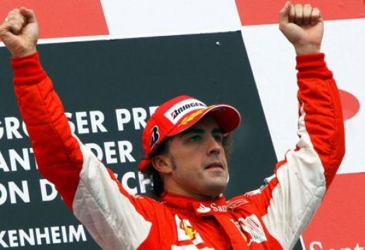 Alonso ganó en Alemania con polémica