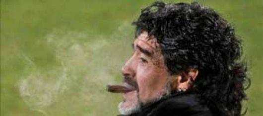 Maradona dará una conferencia esta tarde
