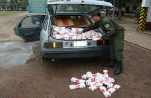 Gendarmería secuestró 7 mil atados de cigarrillos truchos y una 4x4 con documentación falsa