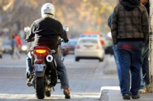 """Polémica por fiscal que liberó a un """"motochorro"""": consideró que la Policía lo """"incitó"""" a robar"""