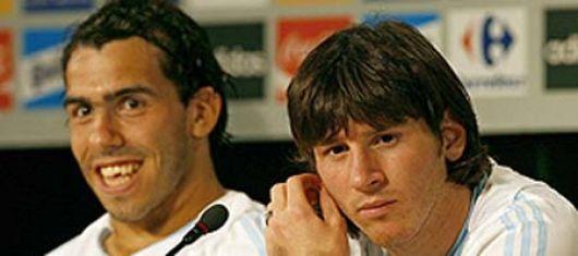 """Tévez se """"desentiende"""" del tema mientras Messi """"apuesta"""" por Sergio Batista"""