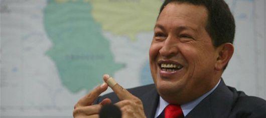 Hugo Chávez reaviva el tema del paramilitarismo en Colombia