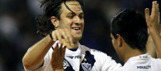 Veléz goleó 3-0, es puntero e Independiente volvió a ganar (1-0)