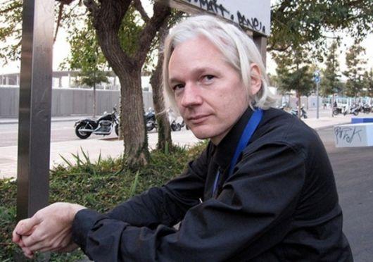 Detuvieron a Assange, fundador de WikiLeaks