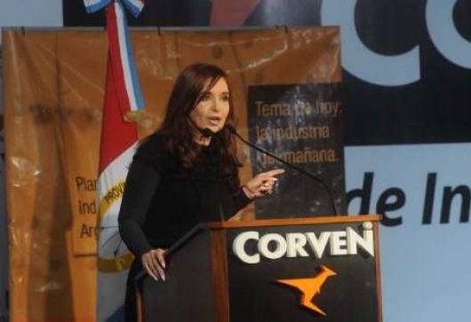 Una mujer interrumpió a los gritos el discurso de Cristina Kirchner