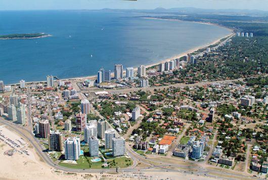Uruguay: alarma inmobiliaria por el acuerdo fiscal con Argentina
