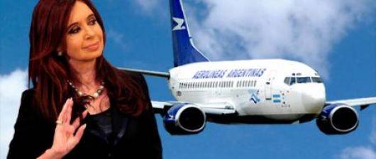 La Presidente y aeronáuticos