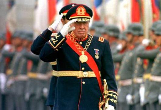 """Chile cambia textos escolares para no hablar de """"dictadura"""""""