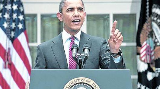 """Obama corteja a los latinos """"sin papeles"""""""