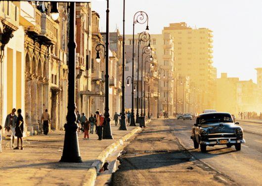 Cuba elimina el permiso para viajar