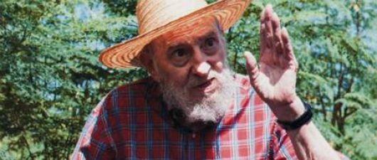 Reapareció Fidel Castro y asegura que no le duele ni la cabeza