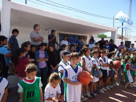 Lanzan programa municipal juga Básquet en tu club de barrio