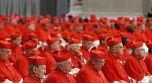 Buscan el nuevo Papa pero la clave la tienen los cardenales indecisos