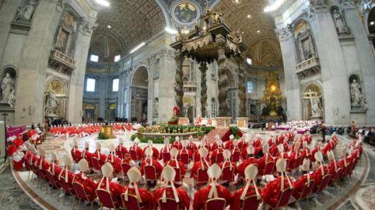 Los cardenales juraron silencio perpetuo