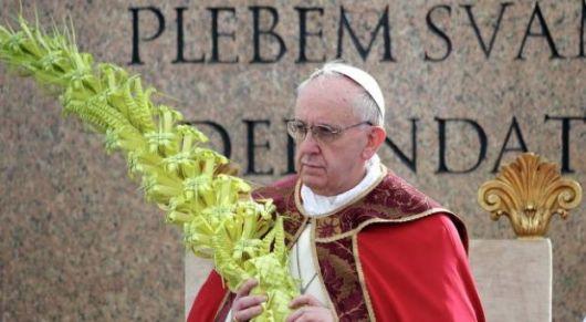 El papa Francisco retomó el pedido de Benedicto XVI de reforma católica