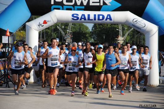 Ismael Langat y Lorena Andino los ganadores de la Maratón