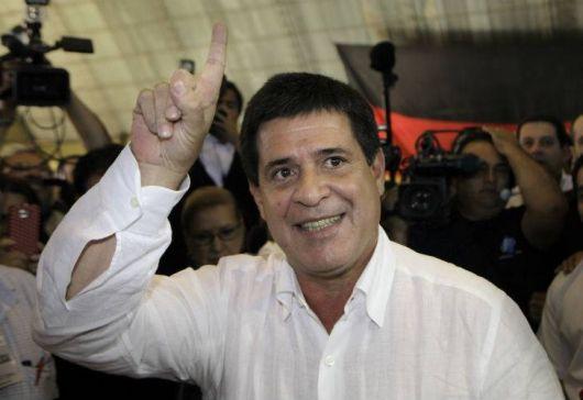 Con Cartes, el Partido Colorado vuelve al poder en Paraguay