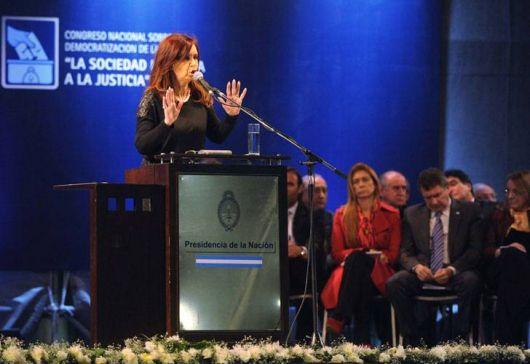 CFK defendió la reforma sin cambios en la Constitución