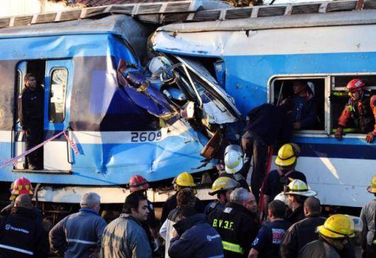 Choque de trenes: confirman que hay 3 muertos y 195 heridos