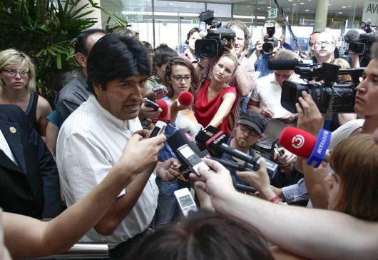 Evo Morales partió de Viena tras un insólito drama diplomático