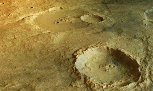 Lagos y espejos de agua en Marte