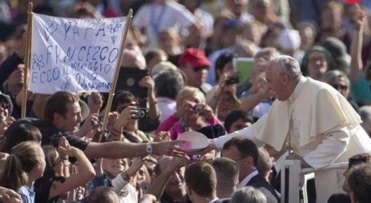 Francisco: Las misteriosas salidas nocturnas del Papa