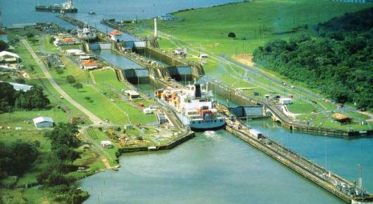 Sacyr promete a Panamá concluir la ampliación del canal
