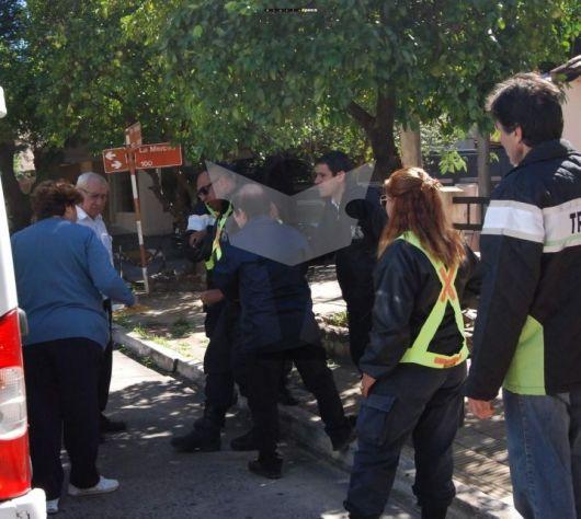 En Capital: Atropelló a dos inspectores y se encerró en su casa