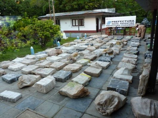Incautan 3.600 kilos de droga en el lago Yacyretá
