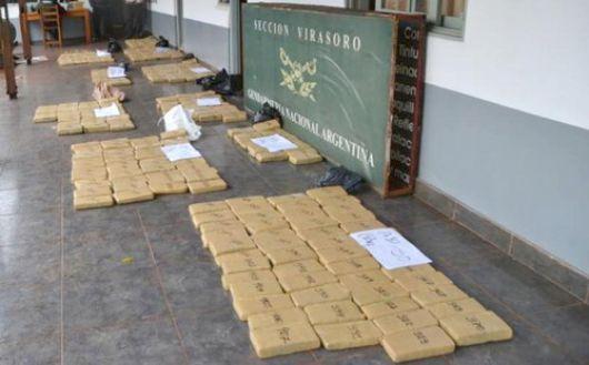Detienen a sujeto que transportaba 300 kilos de droga en una camioneta