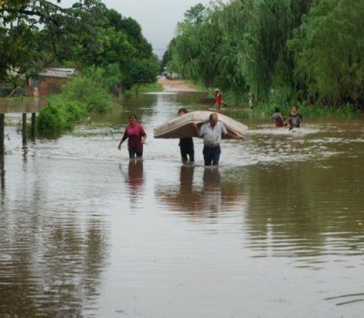 Mantienen alerta por inundaciones