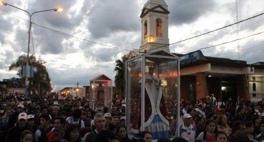 Miles de personas, a pie y a caballo, llevan sus plegarias hasta la Basílica
