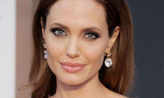 Un rostro de 20 mil dólares deAngelina Jolie