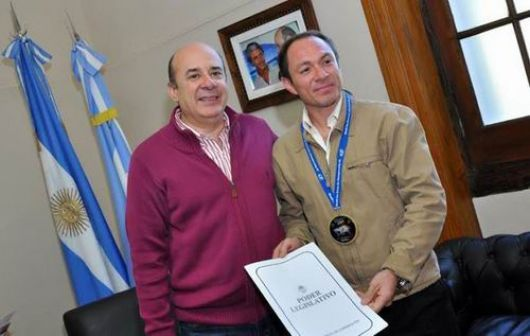 El taekwondista Ibarra recibió reconocimientos