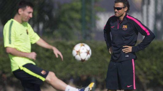 En medio de la crisis, Messi salta a la cancha