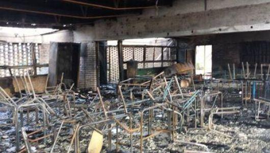 <p>Incendio intencional destruy&oacute; el Colegio</p>