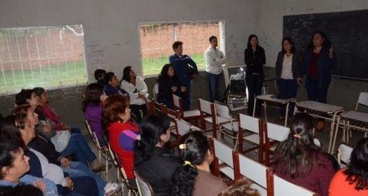 <p>Alumnos del Piragine retoman clases en 10 d&iacute;as</p>